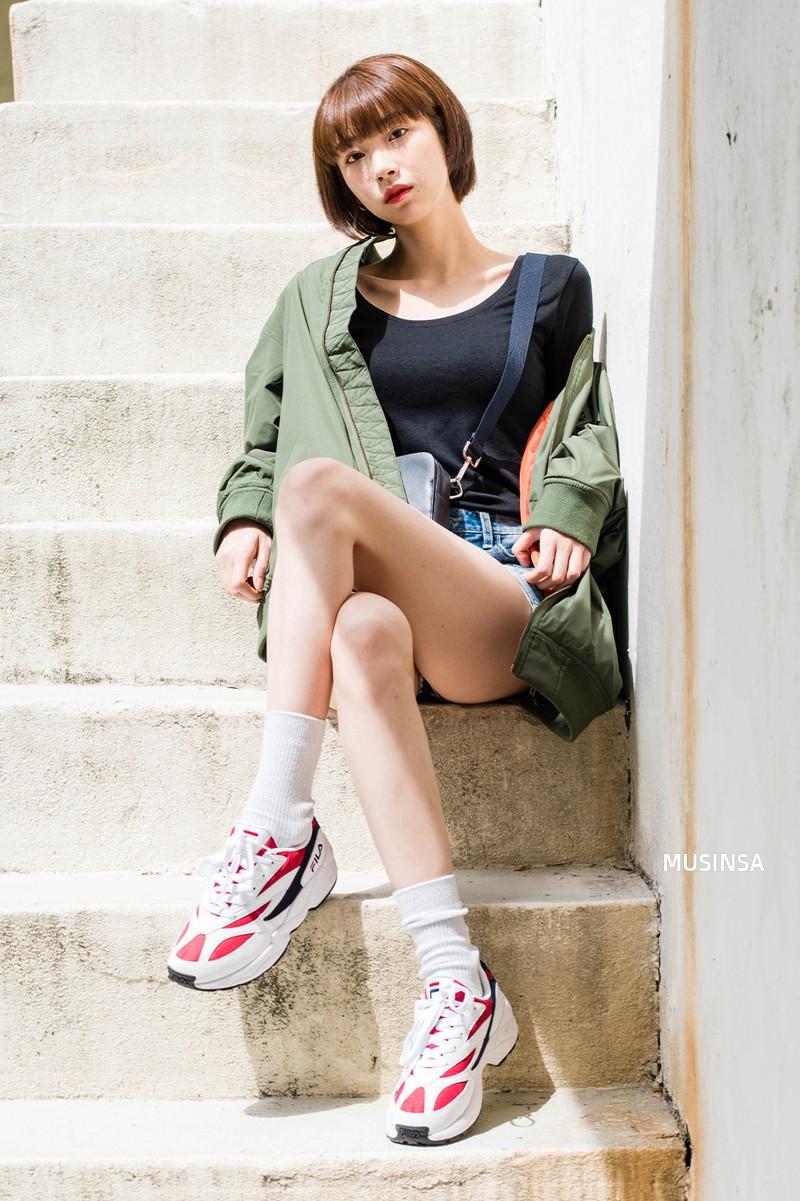 Giới trẻ Hàn thật siêu, chẳng cần diện đồ lồng lộn mà vẫn đẹp bá cháy - Ảnh 12.