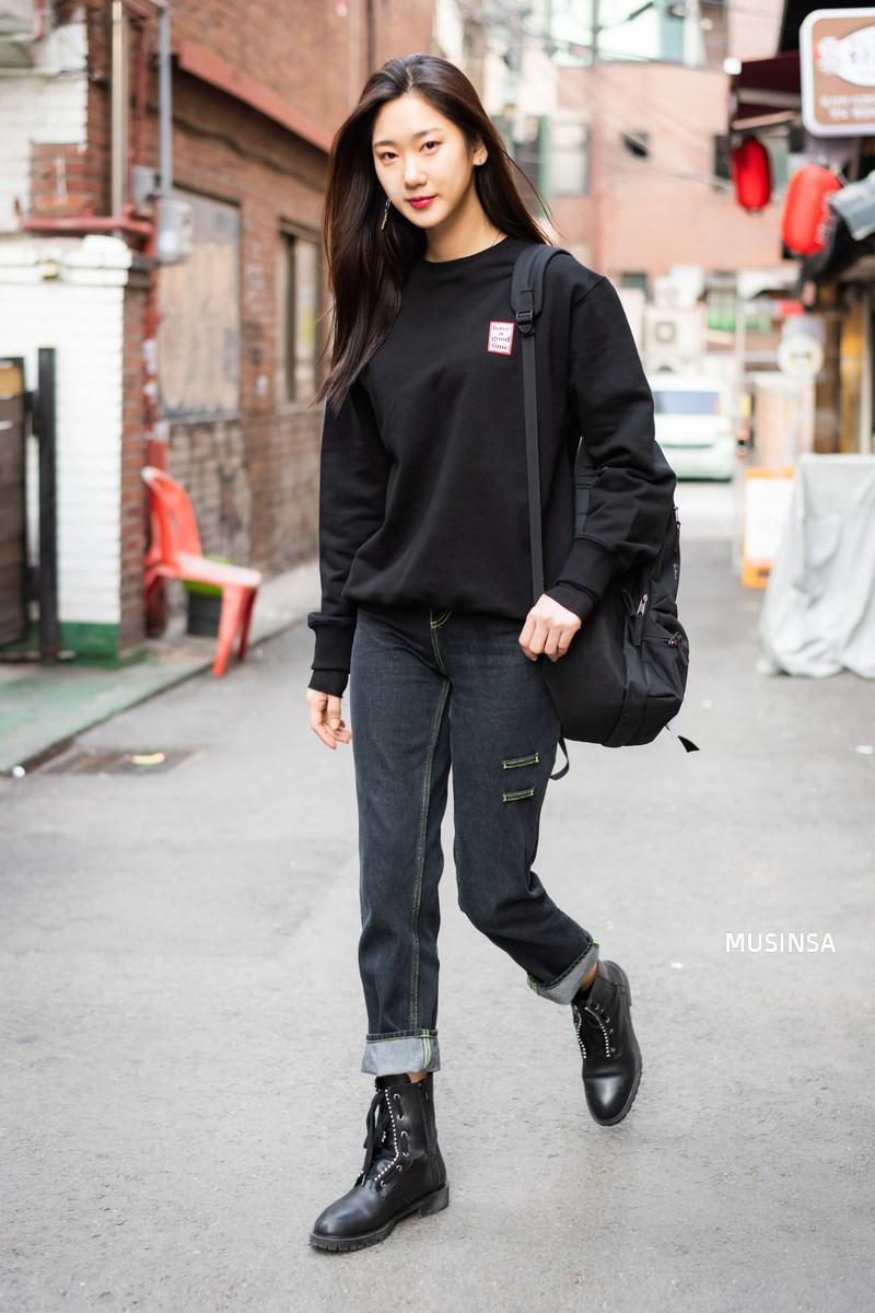 Giới trẻ Hàn thật siêu, chẳng cần diện đồ lồng lộn mà vẫn đẹp bá cháy - Ảnh 6.