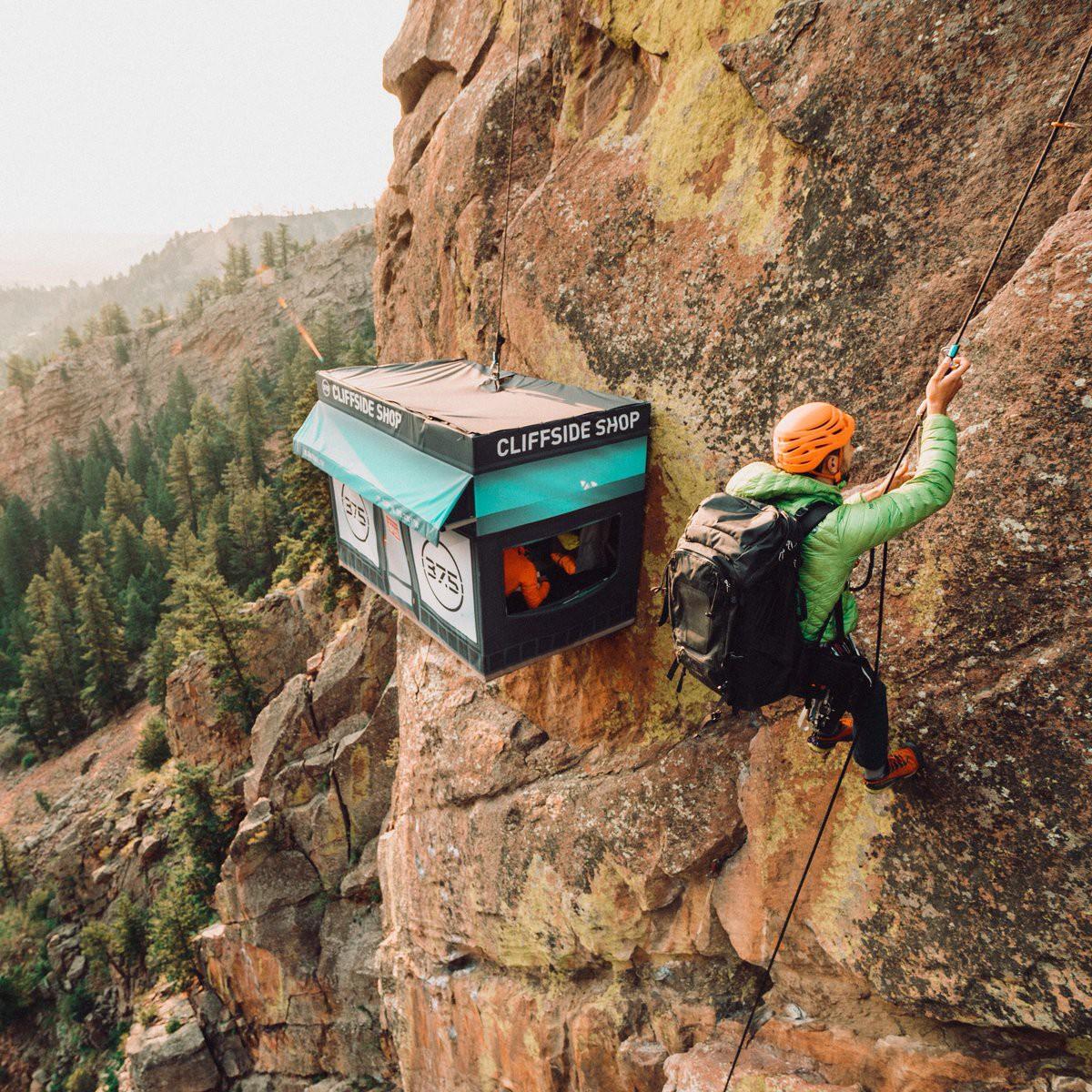 Cửa hàng tiện lợi không dành cho người yếu tim: Nằm ở độ cao gần 2000 mét nhưng tất cả hàng hóa đều miễn phí - Ảnh 4.