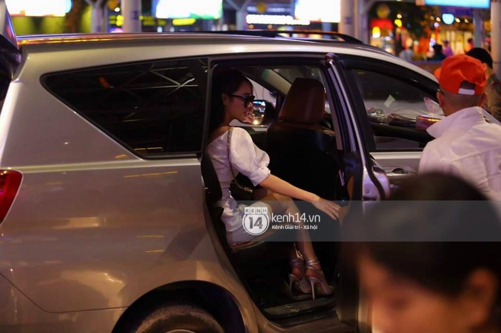Không bận tâm đến ồn ào, Nhã Phương tất bật công việc ngay khi về Tp.HCM - Ảnh 12.