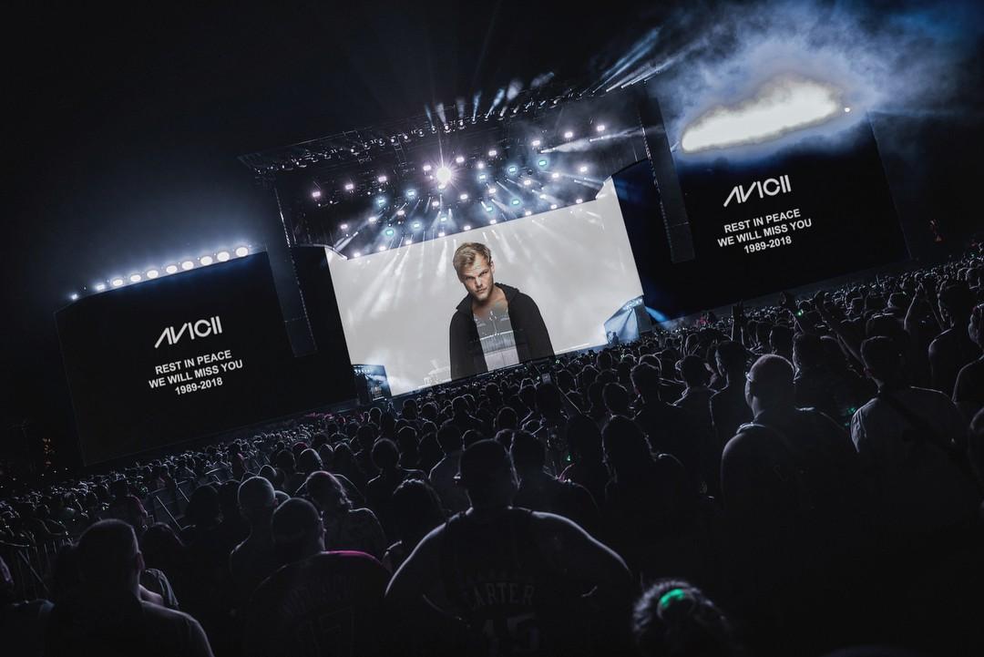 DJ Kygo khép lại set diễn tại Coachella với màn tưởng nhớ Avicii - Ảnh 1.