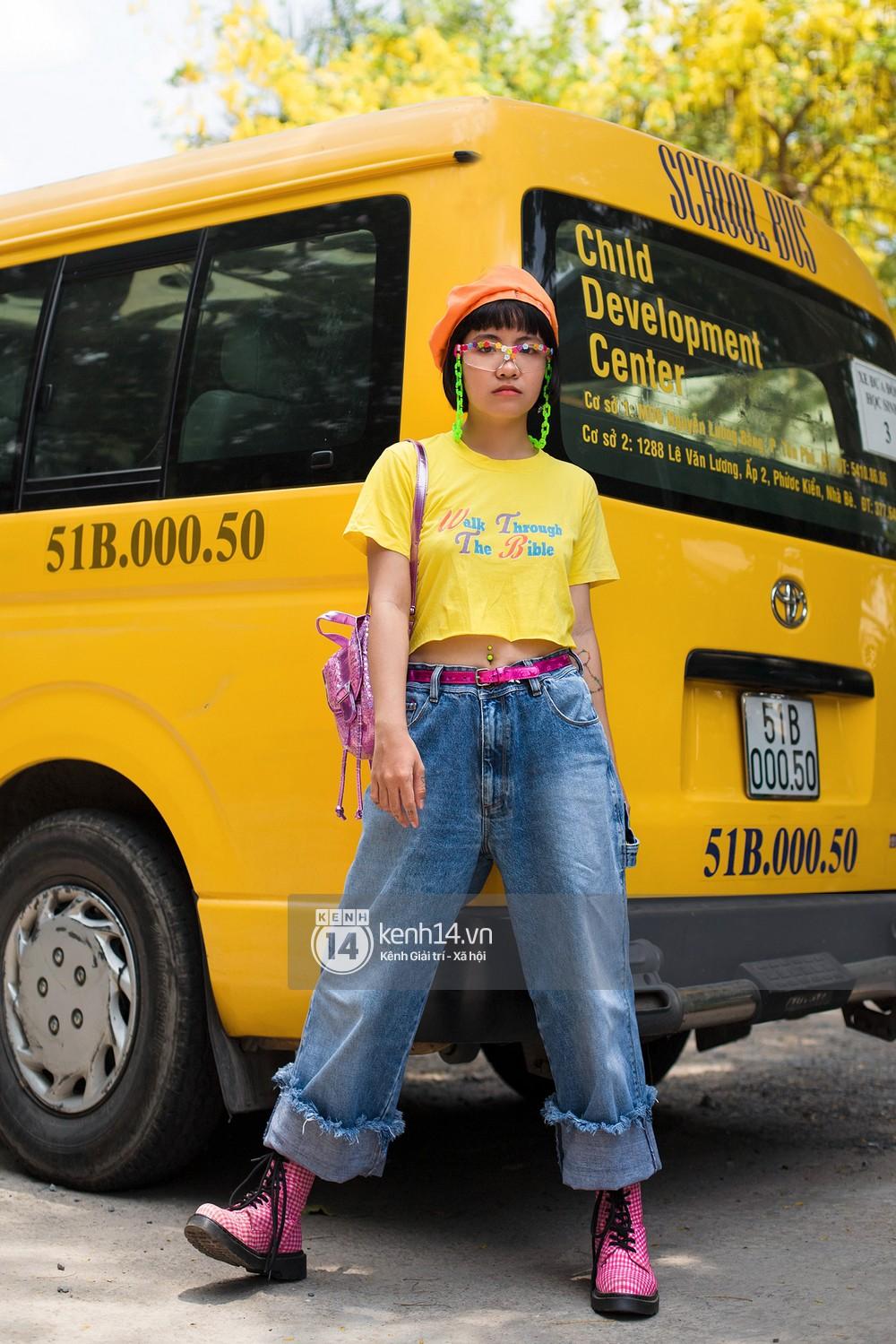 Street style 2 miền: Lên đồ đơn sắc hay sặc sỡ thì các bạn trẻ Việt vẫn cứ trung thành với style cool ngầu bụi bặm - Ảnh 5.