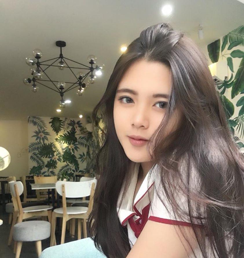 Nổi khắp MXH nhờ gương mặt xinh xắn, nữ sinh lớp 10 tiết lộ Ngọc Trinh là hình mẫu lý tưởng - Ảnh 5.