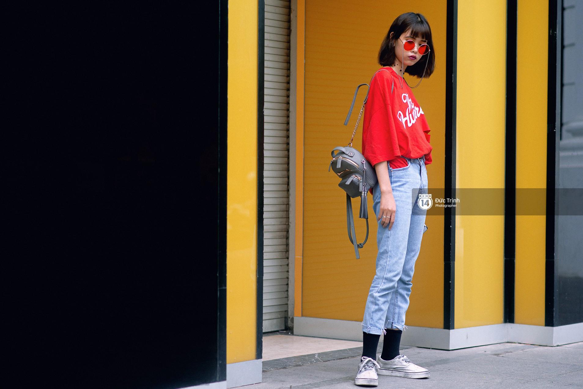 Street style 2 miền: Lên đồ đơn sắc hay sặc sỡ thì các bạn trẻ Việt vẫn cứ trung thành với style cool ngầu bụi bặm - Ảnh 13.