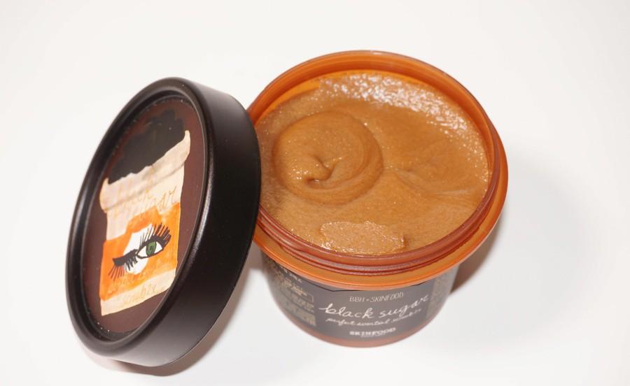 Muốn da căng mịn, bạn đừng bỏ qua 5 sản phẩm tẩy tế bào chết dạng hạt vừa rẻ lại vừa tốt này - Ảnh 7.
