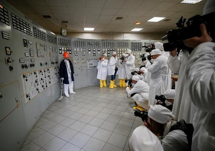 Ám ảnh bên trong nhà máy điện hạt nhân Chernobyl sau hơn 30 năm - Ảnh 18.