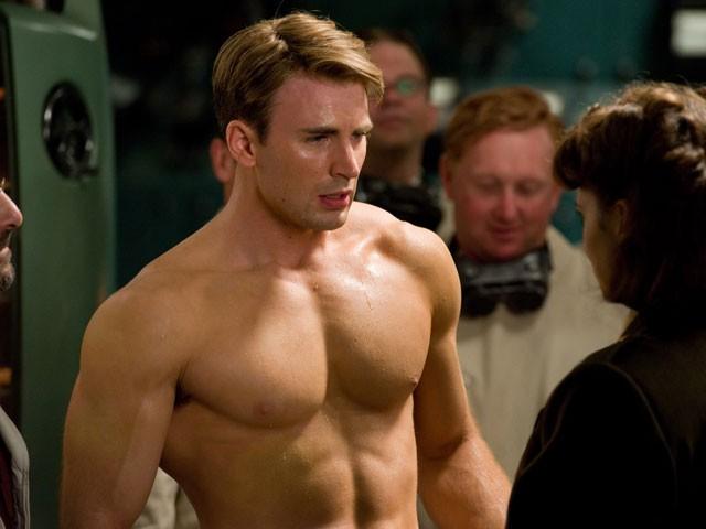 Những sự thật thú vị về Captain Chris Evans: Từng bị gái đá tại tiệc prom, thích các mỹ nhân siêu vòng 3 - Ảnh 1.