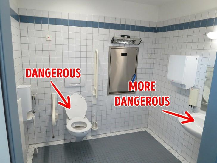 7 quy tắc ai sử dụng nhà vệ sinh công cộng cũng buộc phải nhớ kẻo rước bệnh vào người - Ảnh 1.