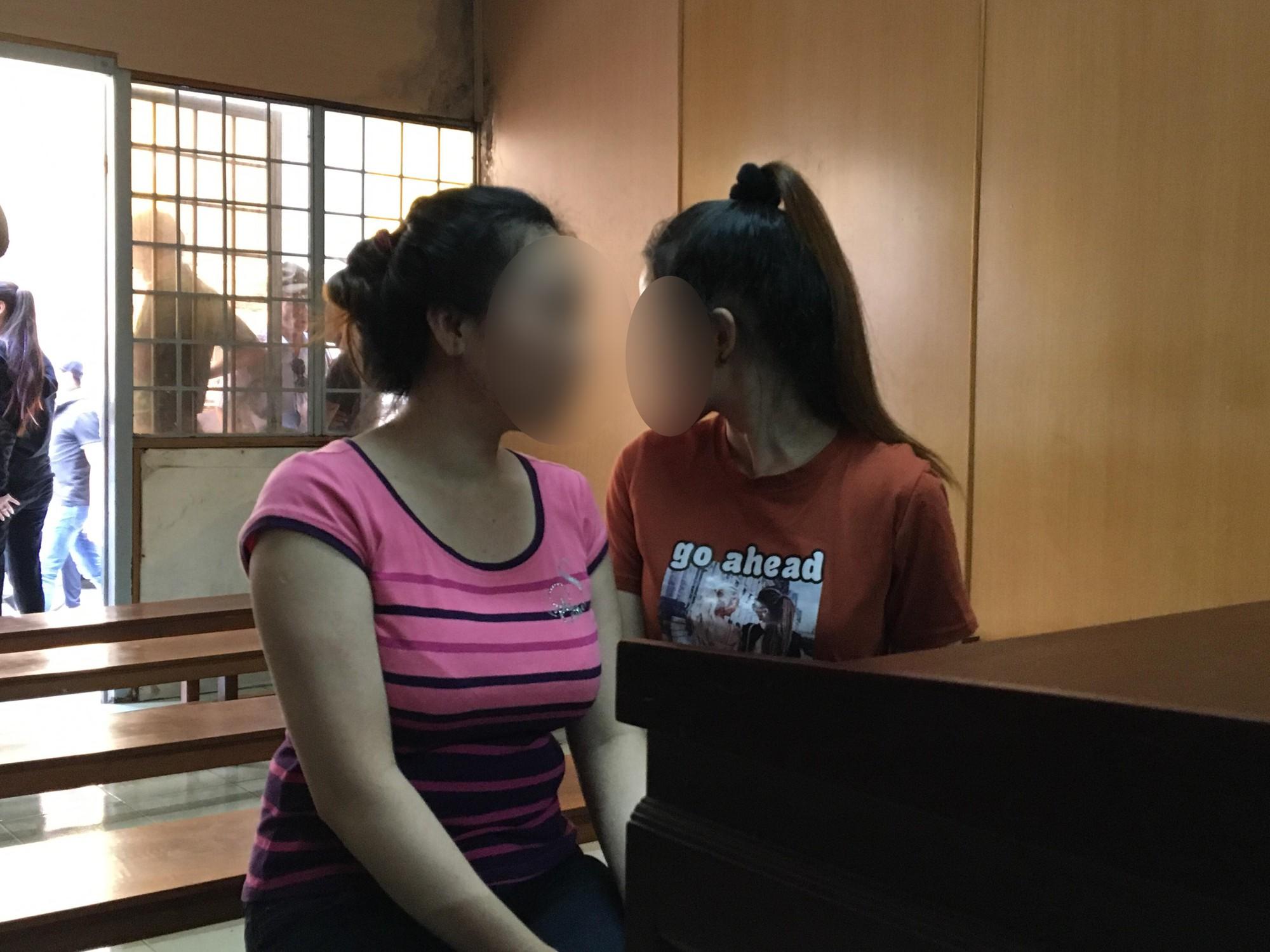 """Xét xử diễn viên, MC, hoa khôi bán dâm nghìn USD ở Sài Gòn: """"Bị cáo nói được khách tặng quà chứ không phải tiền bán dâm"""" - Ảnh 2."""