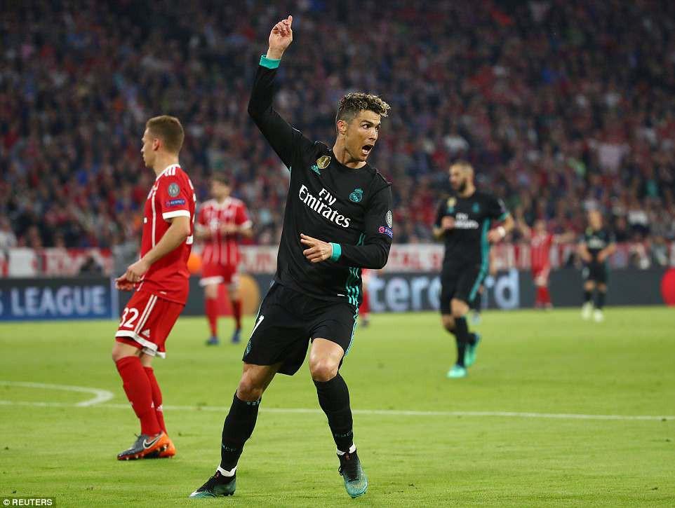 Ronaldo tàng hình, vẫn đi vào lịch sử Champions League - Ảnh 2.