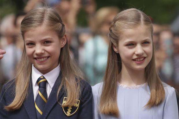 Không chỉ Hoàng gia Anh, còn rất nhiều tiểu Hoàng tử và Công chúa trên thế giới khiến ai cũng xuýt xoa vì dễ thương - Ảnh 5.