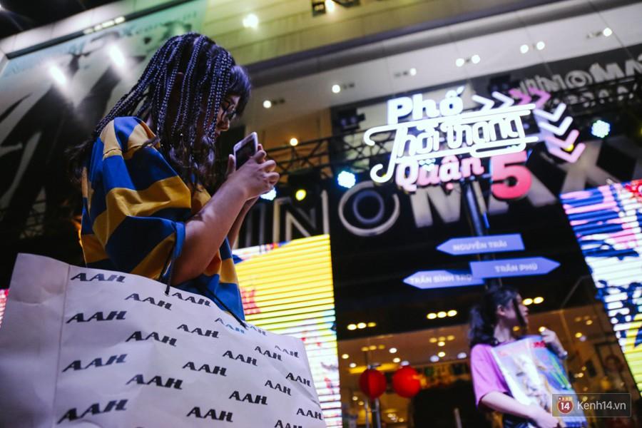 Đường Nguyễn Trãi chính thức được hợp pháp hóa thành Phố thời trang đầu tiên ở Sài Gòn - Ảnh 14.