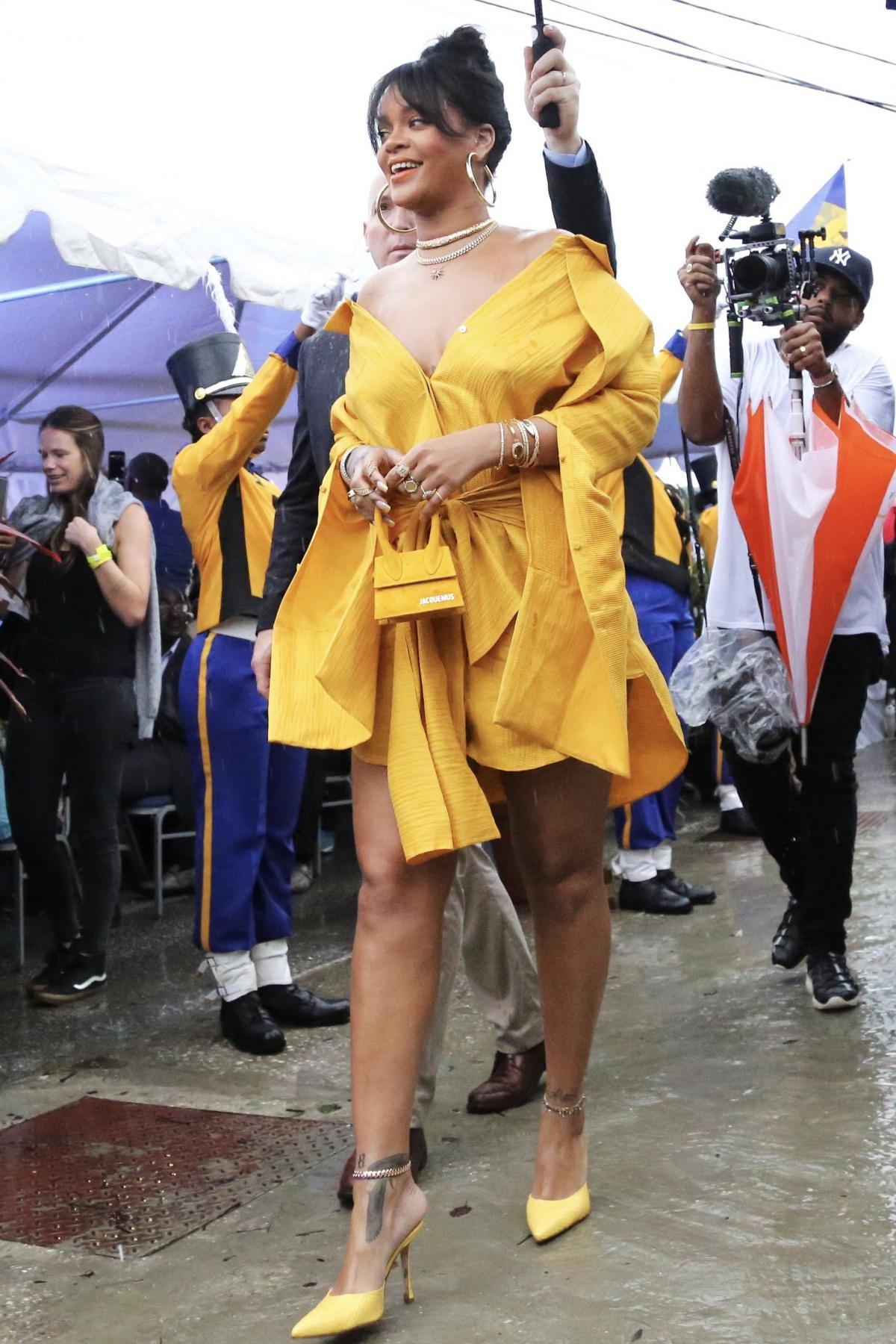 Có cái túi bé tí tẹo gần 12 triệu đồng mà cả Khánh Linh, Rihanna lẫn Kim Kardashian đều cưng hết sức - Ảnh 5.