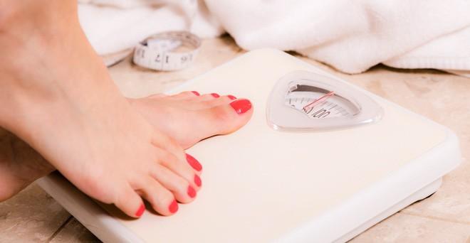 Cứ mắc phải những thói quen này chỉ khiến ngực của bạn ngày càng chảy xệ - Ảnh 4.