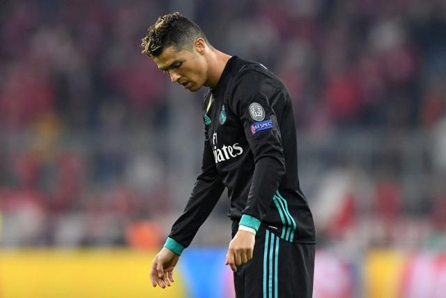 Ronaldo tàng hình, vẫn đi vào lịch sử Champions League - Ảnh 4.