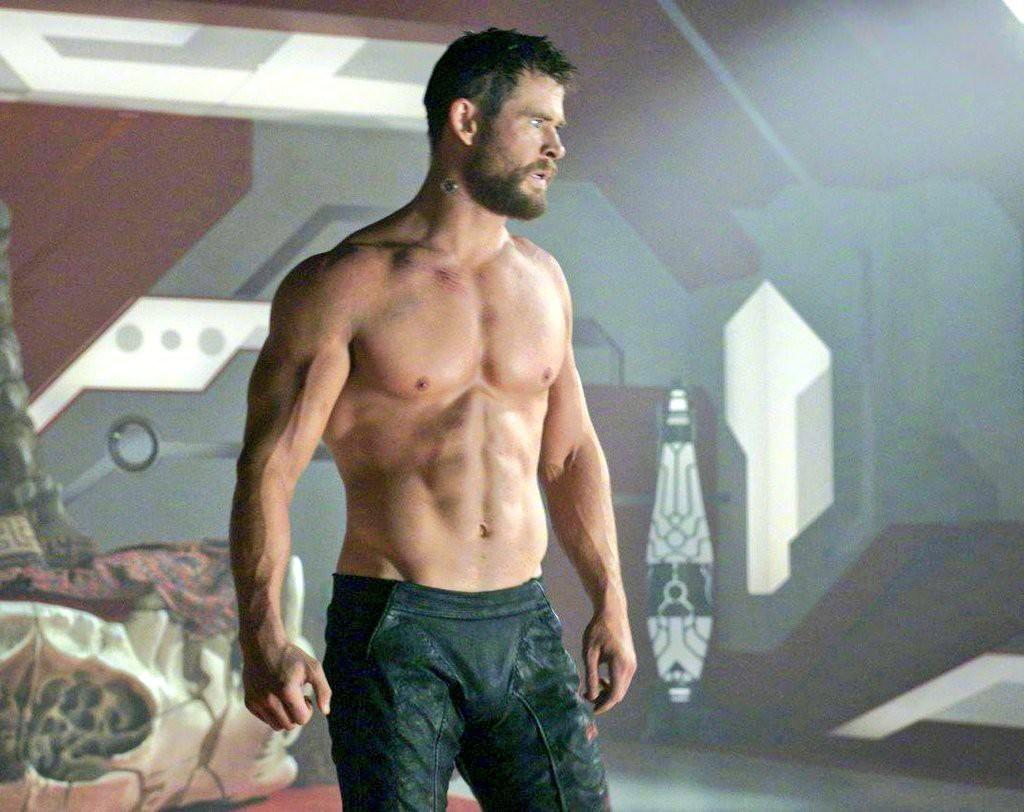 Dàn trai đẹp cực phẩm của Avengers: Từ Thor, Captain đến Thanos đều làm hàng triệu nàng xin chết - Ảnh 5.