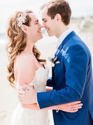 Cầu xin internet đừng photoshop ảnh cưới của mình, Youtuber vẫn nhận được những tấm ảnh chế cực hài hước - Ảnh 2.