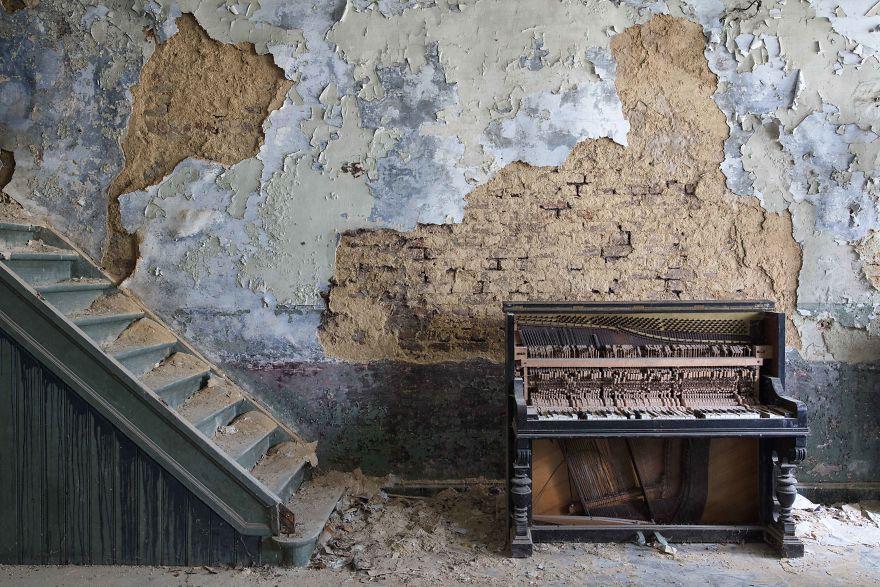 Đi khắp châu Âu tìm những chiếc piano bị lãng quên, người nghệ sĩ khiến mọi người nín lặng vì vẻ đẹp nhuốm màu thời gian - Ảnh 11.