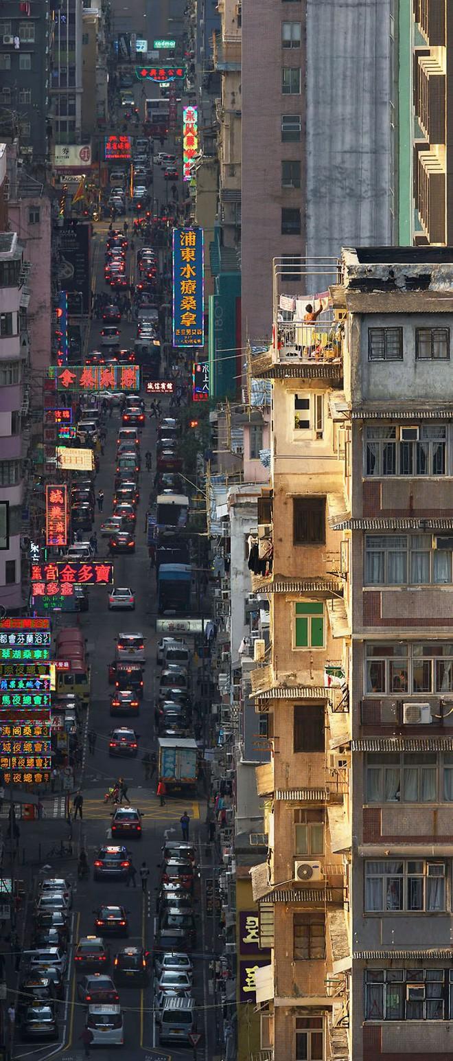 [Ảnh] Concrete stories: Cuộc sống muôn màu trên những tầng thượng của Hồng Kông - Ảnh 7.