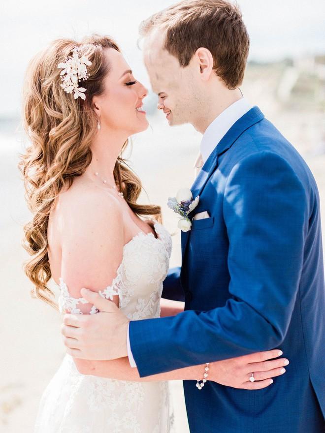 Cầu xin internet đừng photoshop ảnh cưới của mình, Youtuber vẫn nhận được những tấm ảnh chế cực hài hước - Ảnh 9.