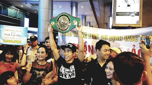 Trần Văn Thảo xuất sắc hạ knock-out nhà vô địch quyền anh Thái Lan ngay trên đất khách - Ảnh 1.