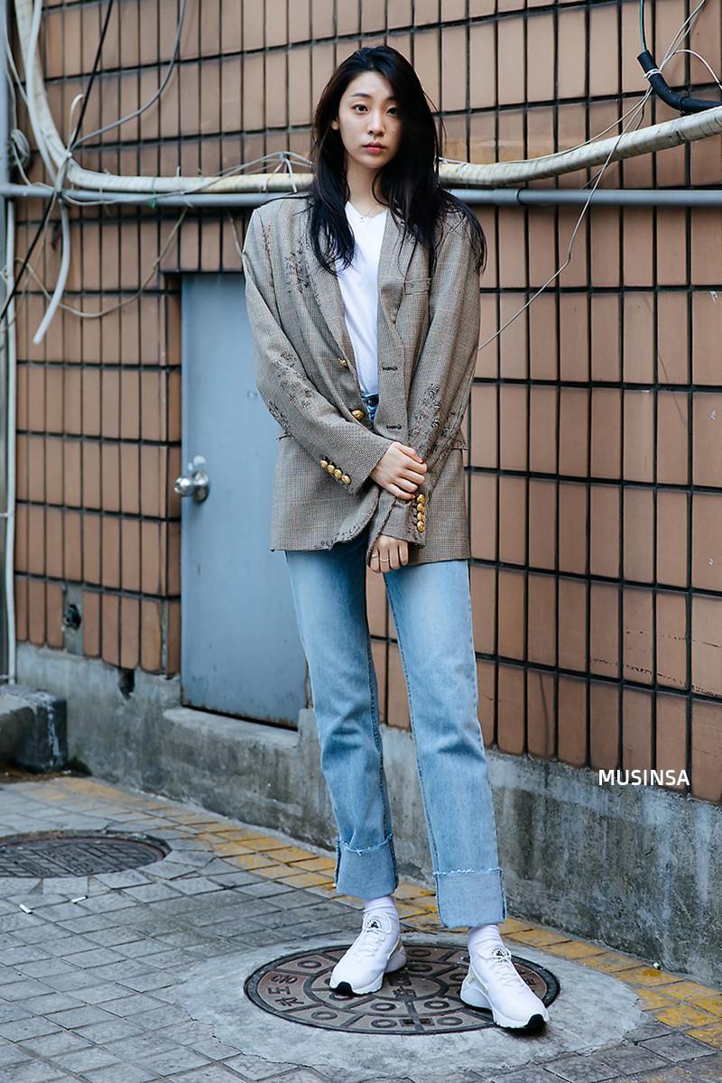 Lại phải ghen tị với khả năng lên đồ đơn giản mà chất như nước cất của giới trẻ Hàn - Ảnh 11.