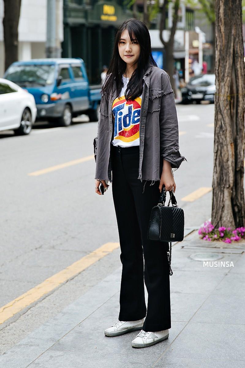 Lại phải ghen tị với khả năng lên đồ đơn giản mà chất như nước cất của giới trẻ Hàn - Ảnh 7.