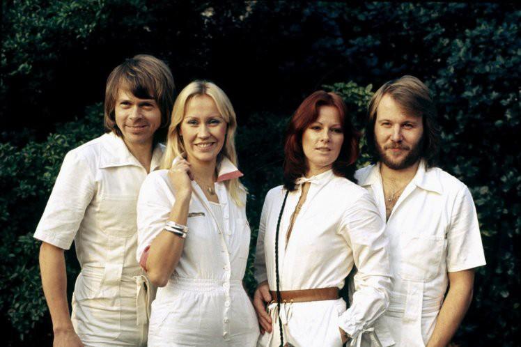 Ban nhạc huyền thoại ABBA tái hợp và trở lại làng nhạc sau 35 năm! - Ảnh 1.