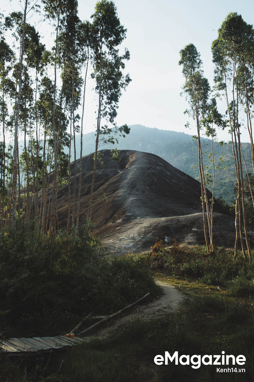 Nếu thích một nơi lạ lẫm, để ngắm Việt Nam hùng vĩ hoang sơ thì hè này hãy ghé thăm Đắk Lắk - Ảnh 14.