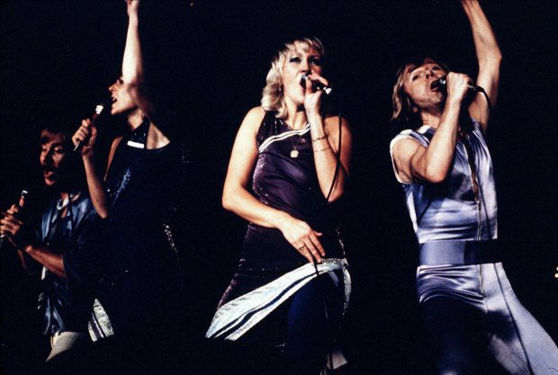 Ban nhạc huyền thoại ABBA tái hợp và trở lại làng nhạc sau 35 năm! - Ảnh 2.