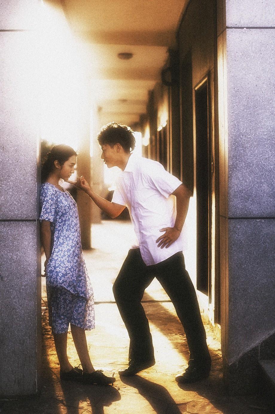 Bộ ảnh film đậm màu sắc một nghìn chín trăm hồi đó kể chuyện tình đơn sơ của bố mẹ mình - Ảnh 8.
