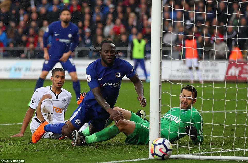 Fabregas lập siêu phẩm, Chelsea chưa buông hy vọng giành vé Champions League - Ảnh 10.