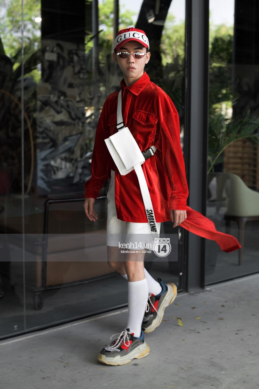 Street style 2 miền: Bên cạnh những món đồ hot trend, diện đồ đôi chính là chiêu mới để các bạn trẻ thể hiện phong cách - Ảnh 19.