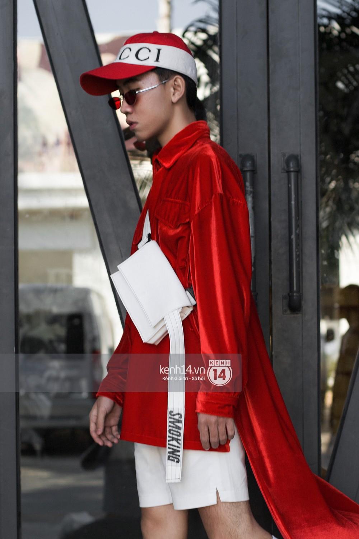 Street style 2 miền: Bên cạnh những món đồ hot trend, diện đồ đôi chính là chiêu mới để các bạn trẻ thể hiện phong cách - Ảnh 20.