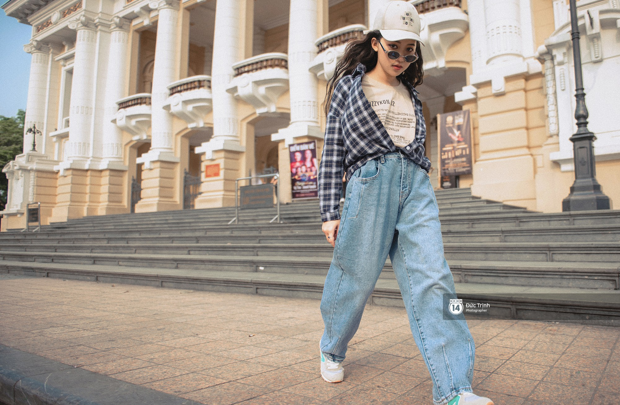 Street style 2 miền: Bên cạnh những món đồ hot trend, diện đồ đôi chính là chiêu mới để các bạn trẻ thể hiện phong cách - Ảnh 1.