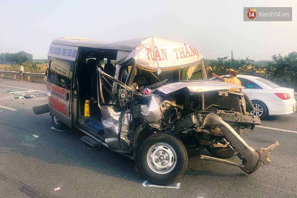 Chùm ảnh: Hiện trường vụ tai nạn liên hoàn trên cao tốc Long Thành - Dầu Giây vì khói rơm rạ mù mịt tấn công - Ảnh 5.
