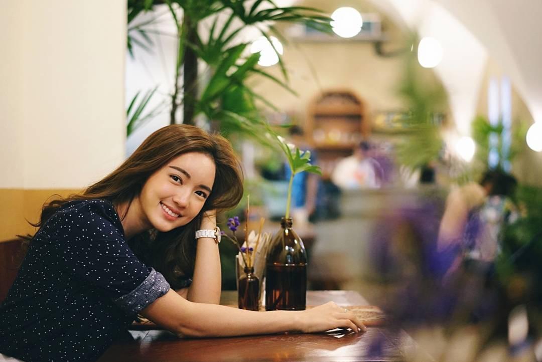 Loạt ảnh bắt trọn thần thái đỉnh cao và nụ cười toả nắng của nàng thơ Thái Lan - Ảnh 6.