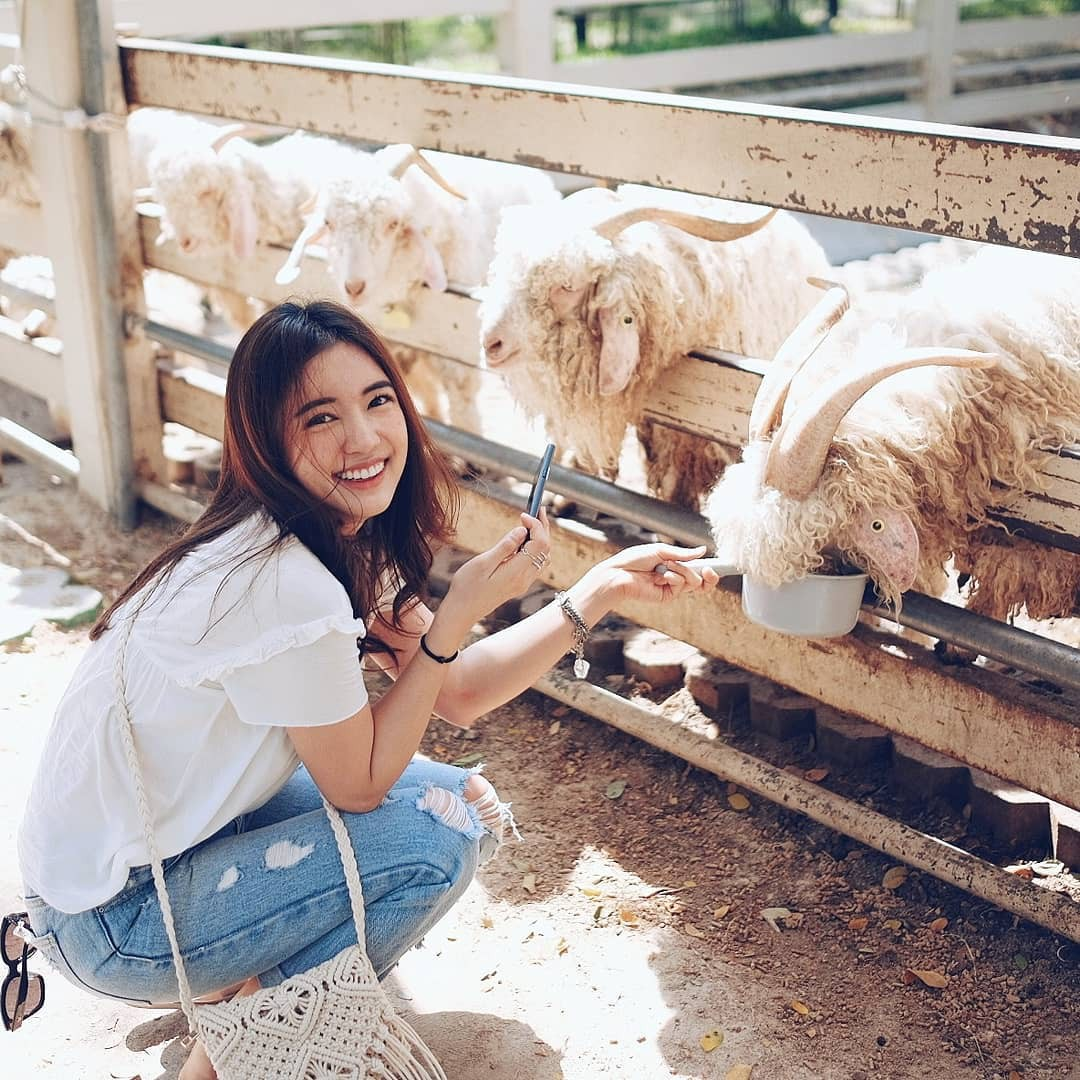 Loạt ảnh bắt trọn thần thái đỉnh cao và nụ cười toả nắng của nàng thơ Thái Lan - Ảnh 2.