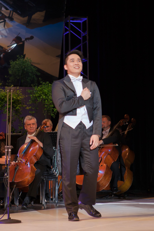Du học sinh Việt điển trai 2 lần giành giải Nhất cuộc thi thanh nhạc quốc tế - Ảnh 7.