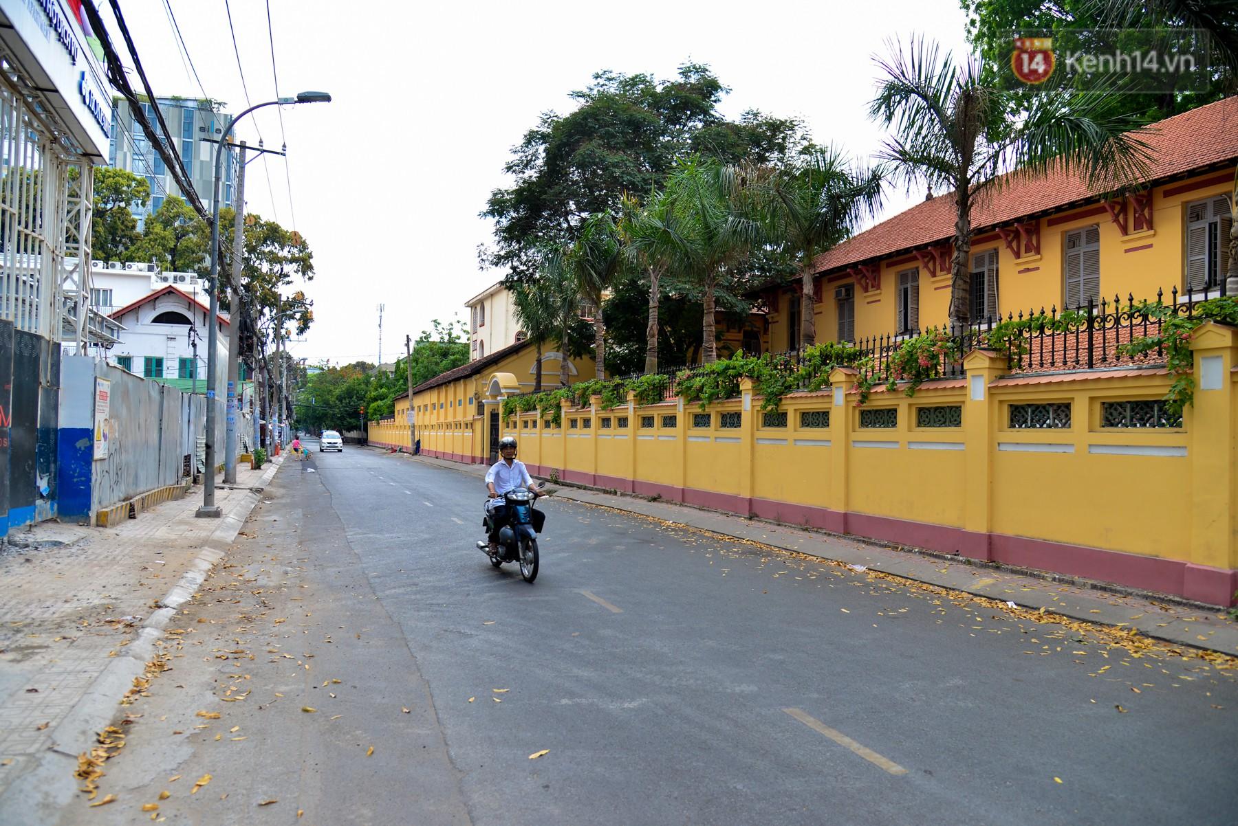 Chùm ảnh: Những ngày này, có một Sài Gòn tĩnh lặng lạ thường khi người dân đã rủ nhau đi trốn - Ảnh 6.
