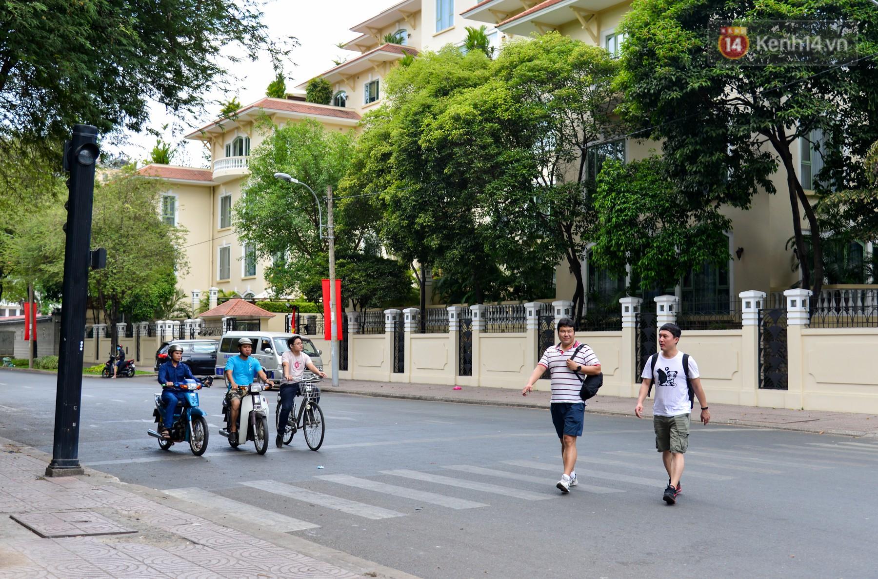 Chùm ảnh: Những ngày này, có một Sài Gòn tĩnh lặng lạ thường khi người dân đã rủ nhau đi trốn - Ảnh 7.