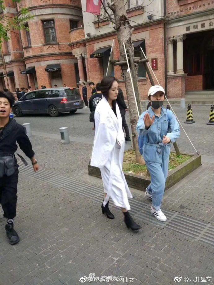 Chuẩn bị ra toà vì scandal quỵt tiền, Dương Mịch khẳng định sẽ tiếp tục hoạt động từ thiện mặc chỉ trích - Ảnh 3.