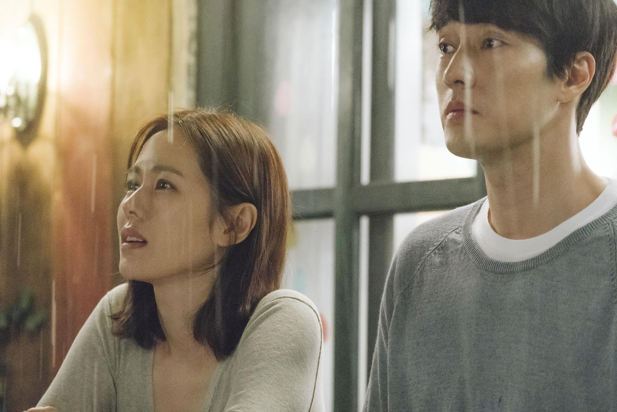 Ngoài cặp đôi tường thành So Ji Sub - Son Ye Jin, Và Em Sẽ Đến có điểm gì đáng xem? - Ảnh 3.