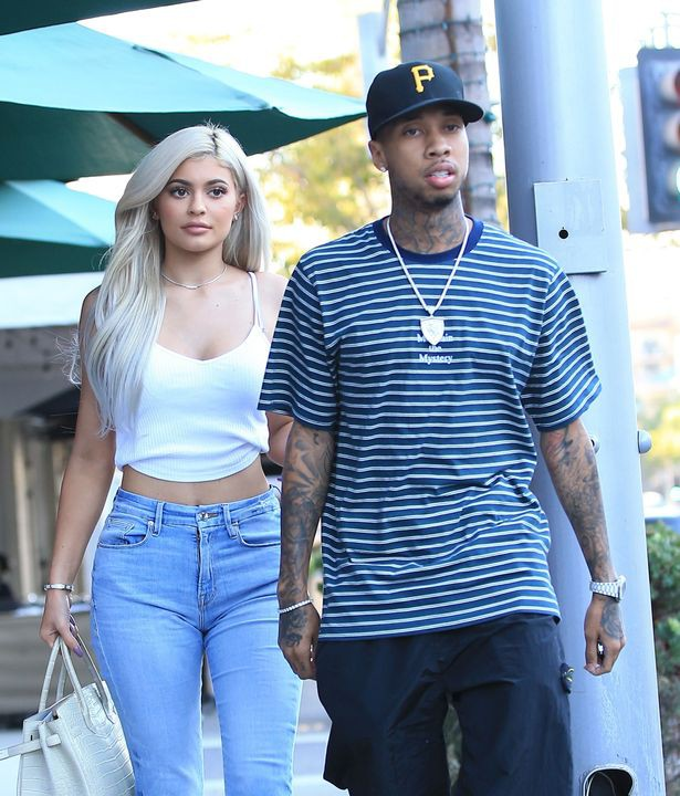 reality-star-kylie-jenner-is-spotted-with-tyga-in-beverly-hills-15228208112131675089305.jpg