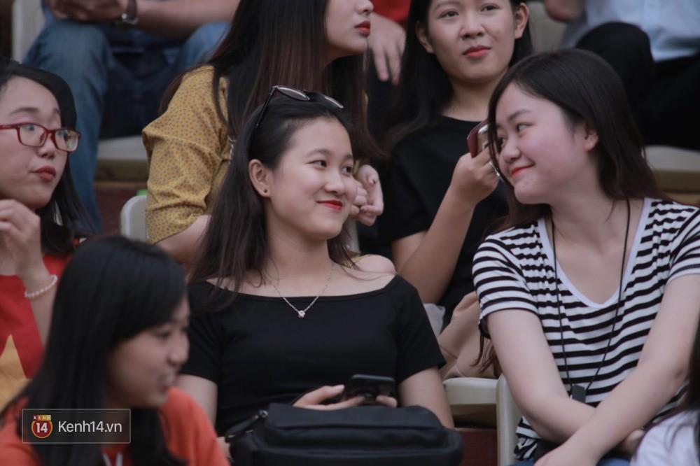 Fandom quốc dân của U23 Việt Nam hừng hực khí thế cổ vũ cho đại chiến Hà Nội - HAGL - Ảnh 16.