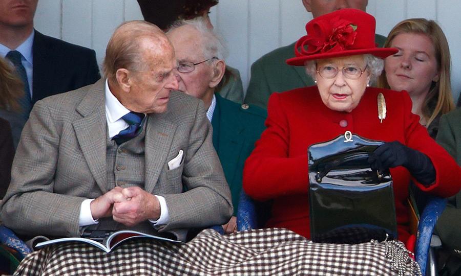 Tưởng chỉ cần ăn mặc trang nhã là đủ, hóa ra thành viên hoàng gia Anh phải tuân thủ cả chục quy tắc thời trang khắt khe - Ảnh 4.