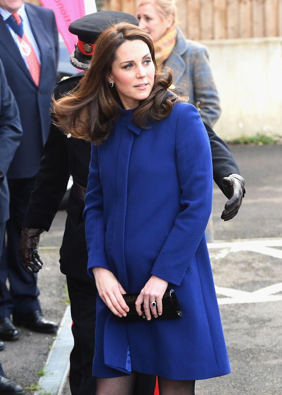 Tưởng chỉ cần ăn mặc trang nhã là đủ, hóa ra thành viên hoàng gia Anh phải tuân thủ cả chục quy tắc thời trang khắt khe - Ảnh 5.