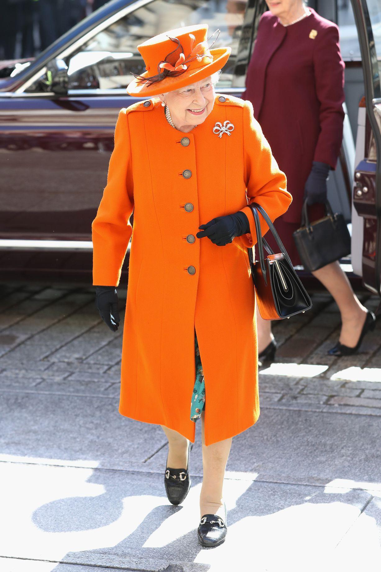 Tưởng chỉ cần ăn mặc trang nhã là đủ, hóa ra thành viên hoàng gia Anh phải tuân thủ cả chục quy tắc thời trang khắt khe - Ảnh 8.