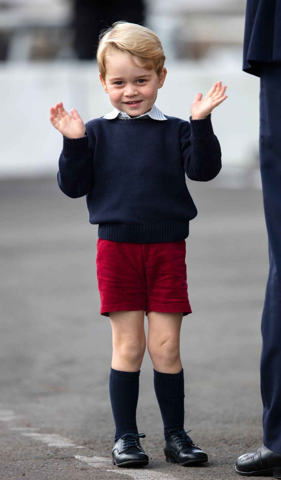 Tưởng chỉ cần ăn mặc trang nhã là đủ, hóa ra thành viên hoàng gia Anh phải tuân thủ cả chục quy tắc thời trang khắt khe - Ảnh 10.