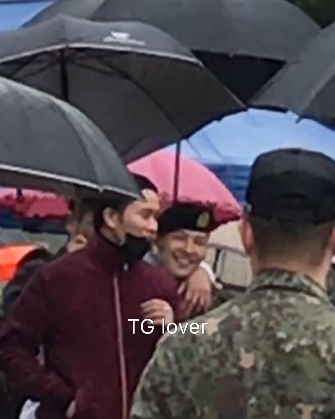 Dân tình giật mình trước loạt ảnh G-Dragon hớn hở trong quân ngũ, Sơn Tùng M-TP đi ngay cạnh? - Ảnh 3.